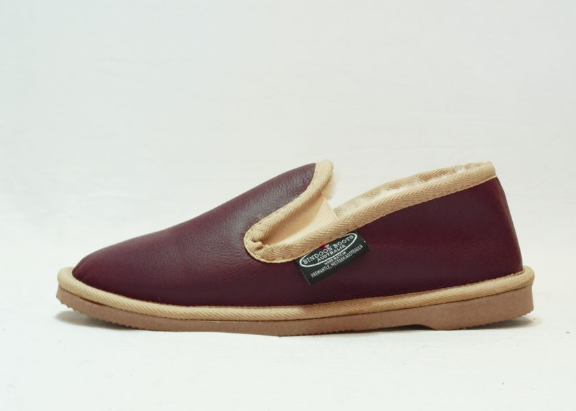 Plum sand leather covered Loafer